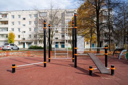 Комплекс турников со шведской стенкой, лавкой для пресса и турником для отжиманий Romana 501.09.01