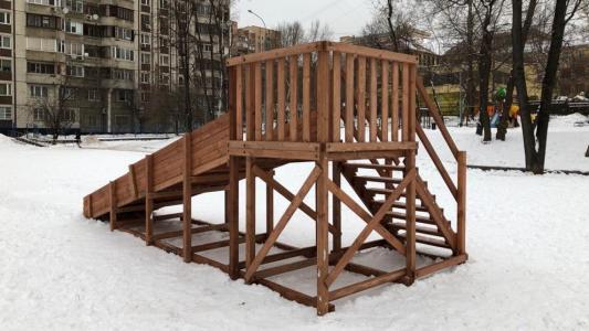 Зимняя горка Снежинка-1 (спуск 4,7 м)