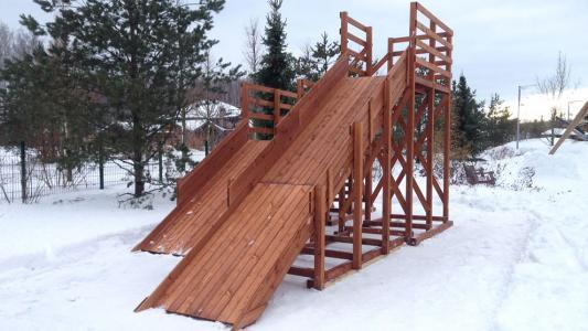 Зимняя горка Снежинка-4 (спуск 9,4 м и 4,7 м)